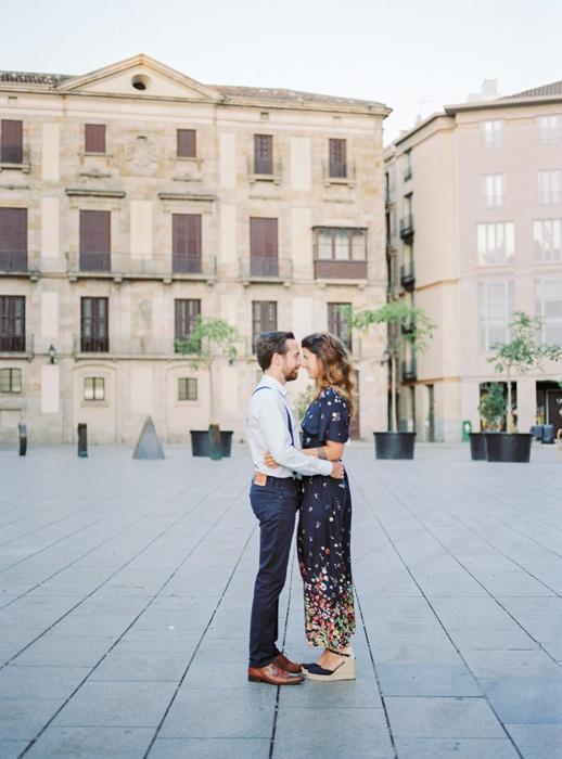 gothic-quarter-barcelona-engagement-wedding-photographers-camilla-cosme-photography_0003.jpg