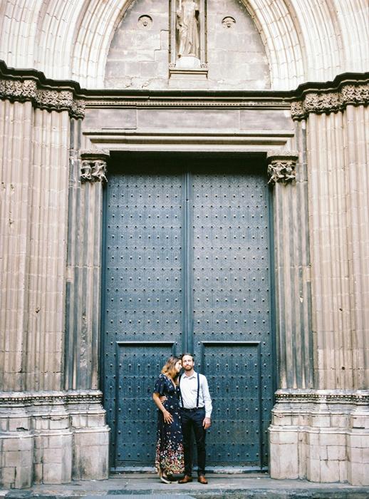 gothic-quarter-barcelona-engagement-wedding-photographers-camilla-cosme-photography_0005.jpg