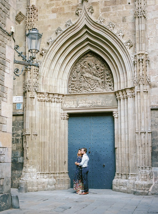 gothic-quarter-barcelona-engagement-wedding-photographers-camilla-cosme-photography_0016.jpg