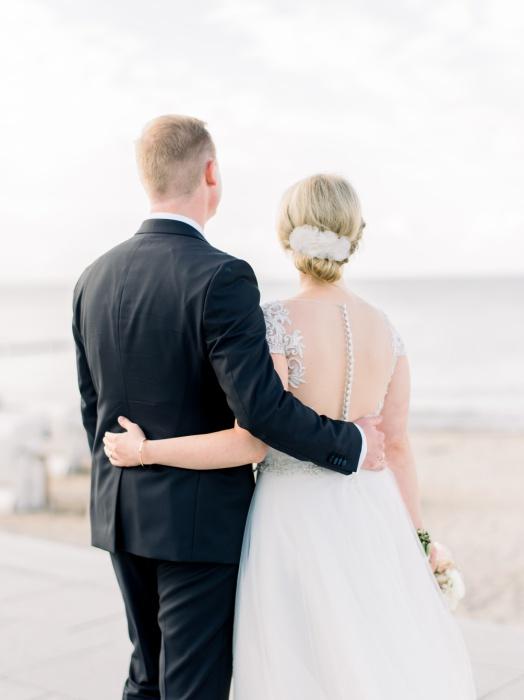 intimate-wedding-baltic-sea-wedding-photographers-31.jpg