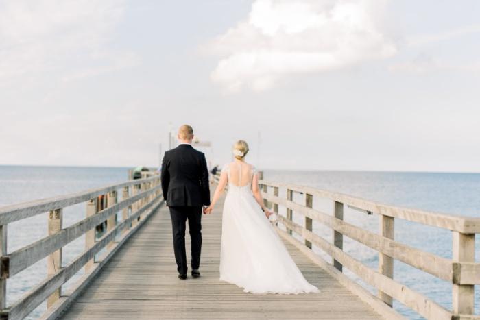 intimate-wedding-baltic-sea-wedding-photographers-32.jpg