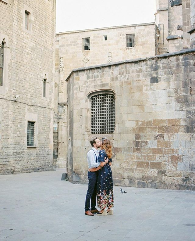Soon-to-be husband and wife C & F surrounded by the historic walls of the #GothicQuarter in #Barcelona. . . . . . #capturedonfilm #kodakportra400 #pentax645 #mediumformatfilm #filmphotography #analogphotography #filmisnotdead #2019bride #destinationweddingphotographer #destinationwedding  #hochzeitfotografin #europewedding #europeanwedding #intimatewedding #filmphotographer #analoguecollective #filmphotographerscollective #expatlovers #barcelonalovers #frenchlovers #frenchwedding #elopementphotographer #weddingphotographer #intimateweddingphotographer #frenchbrides #moderncouples #modernfrenchwedding