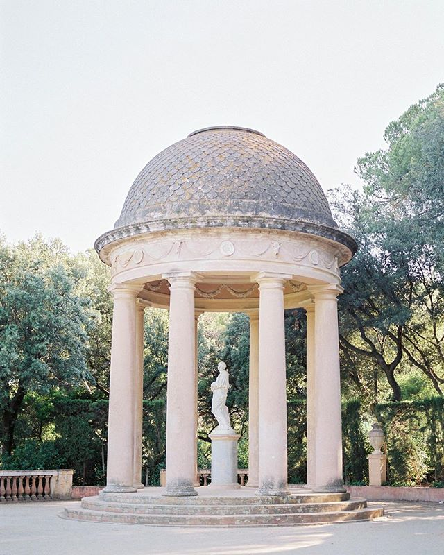 Parc del Laberint d'Horta - my favourite spot for engagement sessions in Barcelona.  I'm still taking a few spots for engagement sessions and pre-wedding shoots this summer. Contact me for availability!