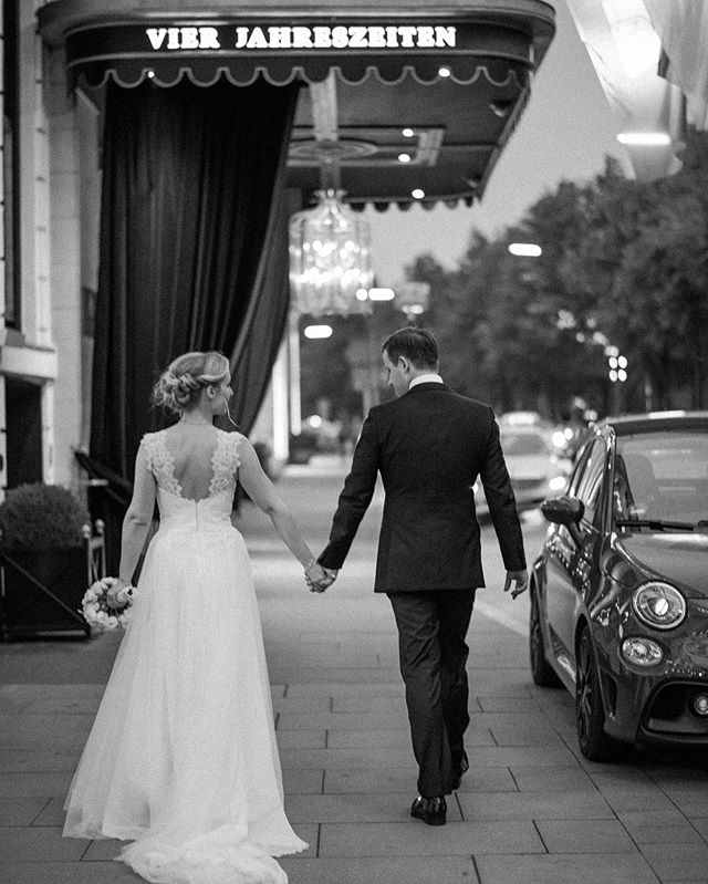 I & A walking back to their party after a quick sunset shoot. . . . . . Second shot for @yanaschicht  #vierjahreszeiten #vierjahreszeitenhamburg #fourseasonshotel #fourseasonswedding #hamburgwedding #hamburgweddingphotographer #hamburghochzeit #hamburghochzeitsfotograf #hochzeithamburg #hochzeitsfotografhamburg #europeweddingphotographer #europewedding #weddingineurope #europedestinationweddingphotographer #destinationweddingeurope #destinationweddingphotographers #destinationweddingphotographereurope #weddingphotographergermany #weddingphotographerberlin #weddingphotographerparis #weddingphotographeramsterdam