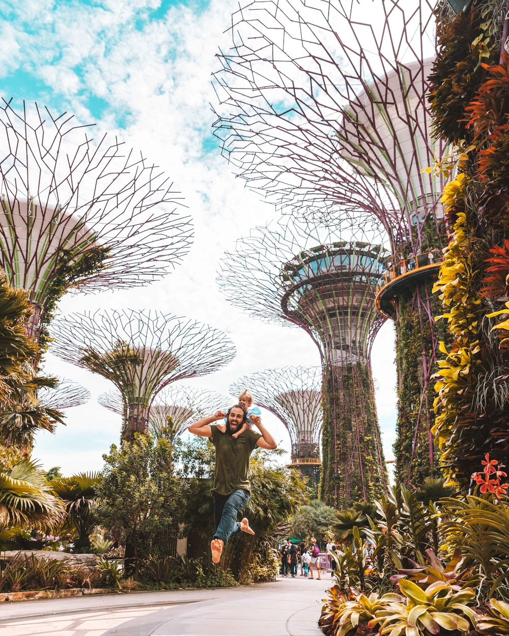 I Gardens By the Bay e un papà saltante