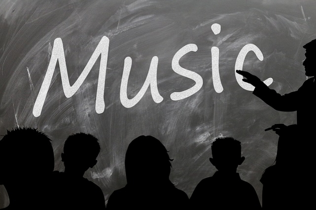 Schools and teachers. Find out what resources we have to support schools and school teachers for music