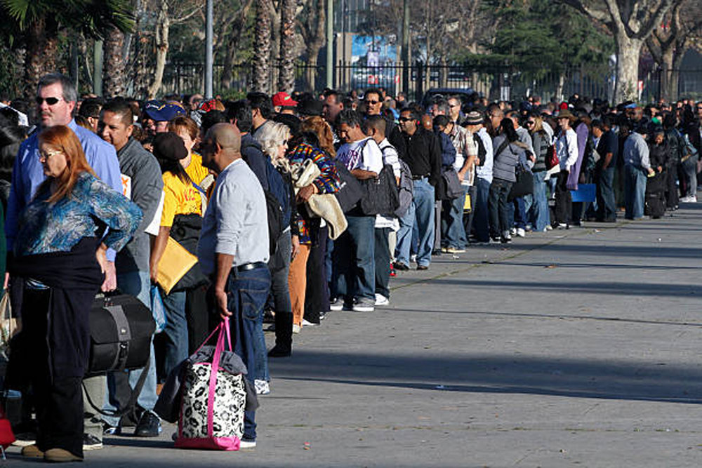 The Important Lesson We Should All Learn From the Government Shutdown People Standing on line