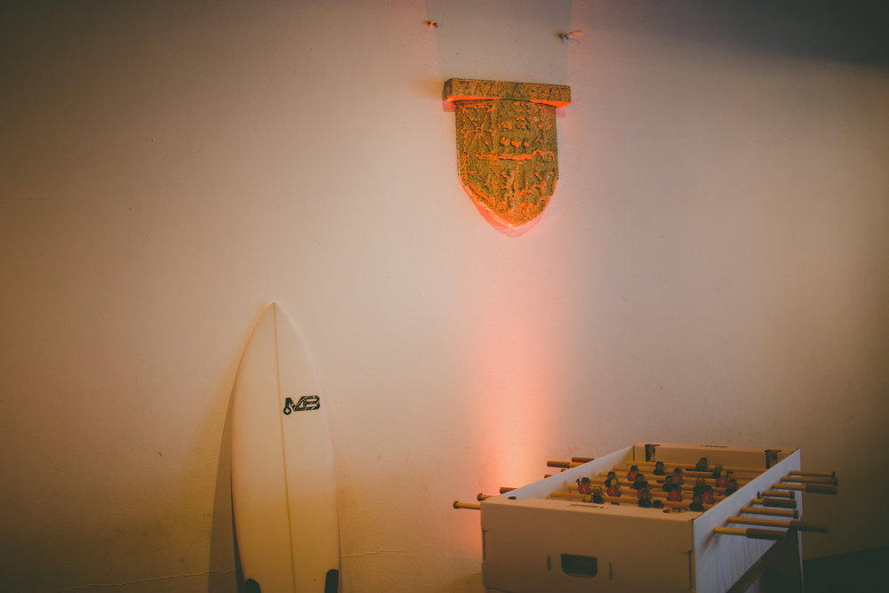 mariage pays basque arcangues fun DIY babyfoot surf livre d'or.jpg