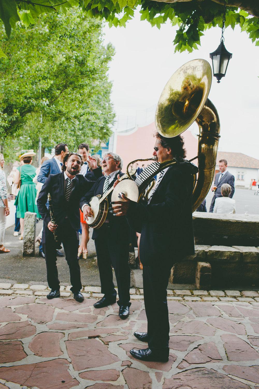 mariage pays basque arcangues fun DIY jazz band.jpg