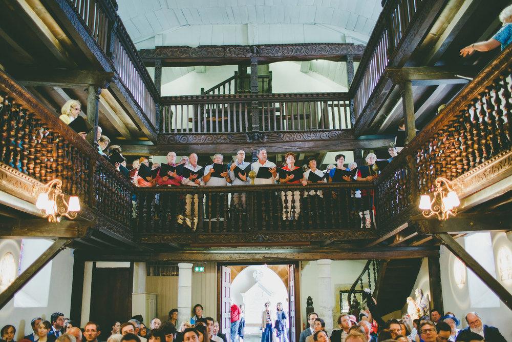 mariage pays basque arcangues fun messe chorale.jpg