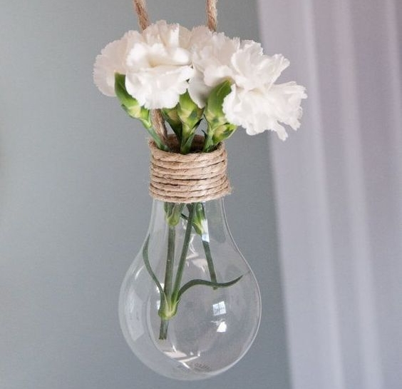 ampoule vase suspendue basque mariage fun