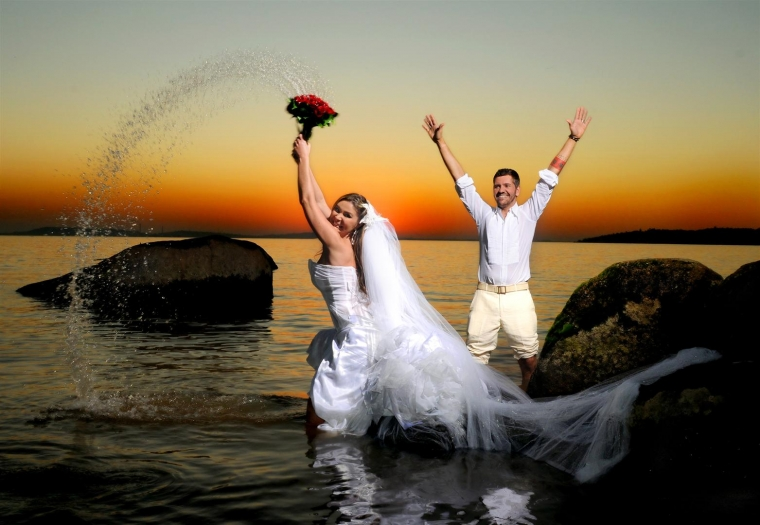 mariage pays basque fun trash the dress  kitch.jpg
