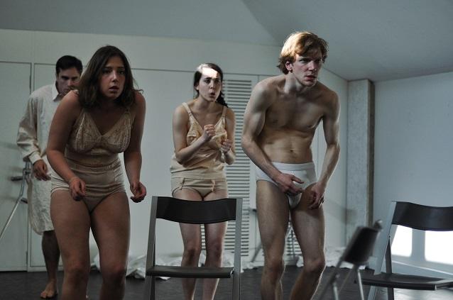 Bruno Coulon, Judith Zins, Jennifer Cabassu et Théo Bluteau, Répétition 2013 - CINQ du Centquatre | Photo : Joris Mithalal