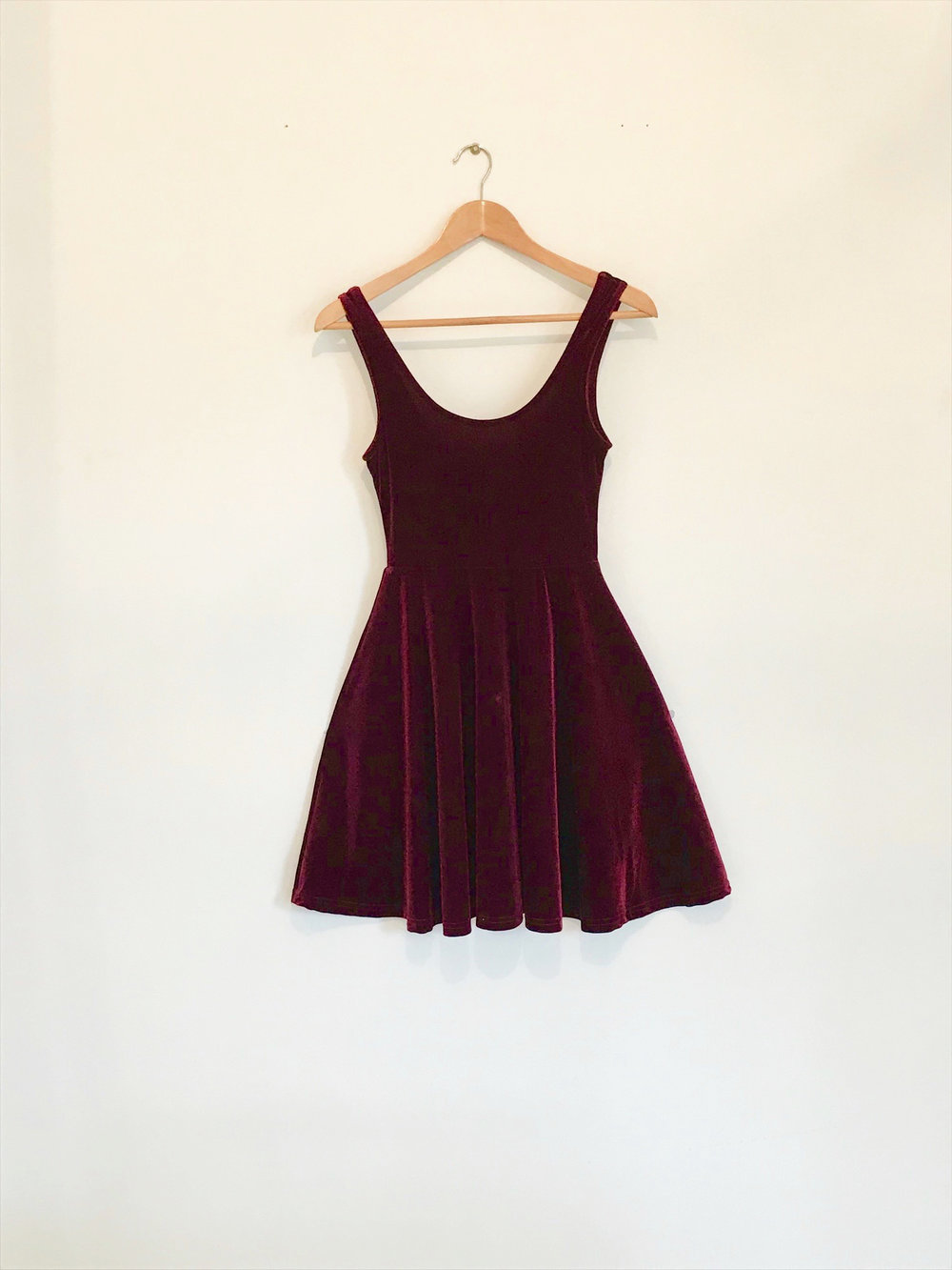 f0e5cbc624 Introducing... my ruby red velvet dress. I know right stunning! I've had  this dress for ages. Such a staple in my wardrobe. It is so easy and  flattering to ...