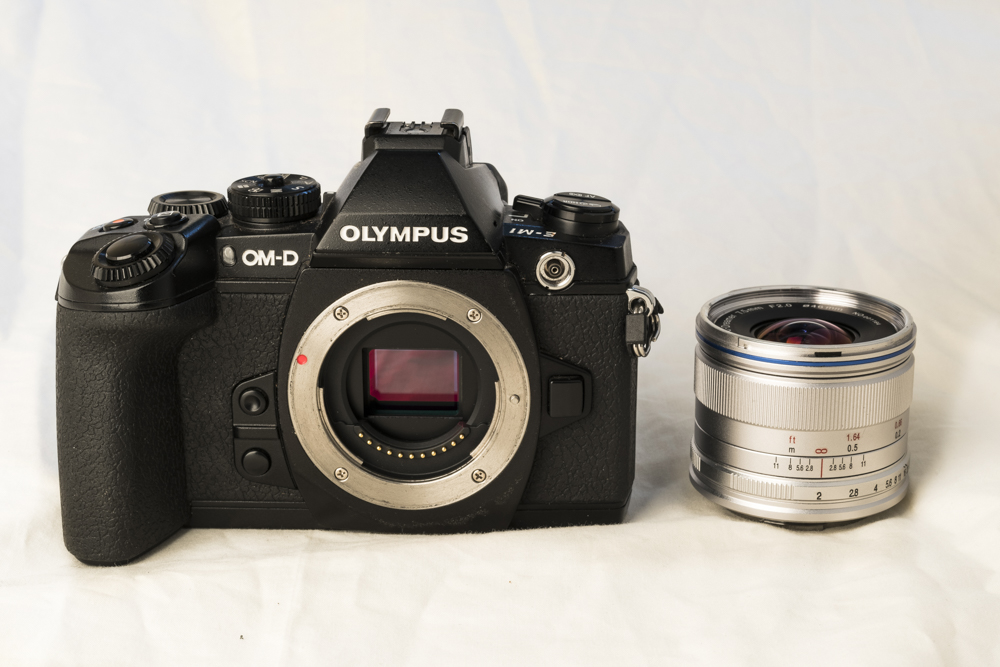 laowa 7_5mm f2 product 2.jpg
