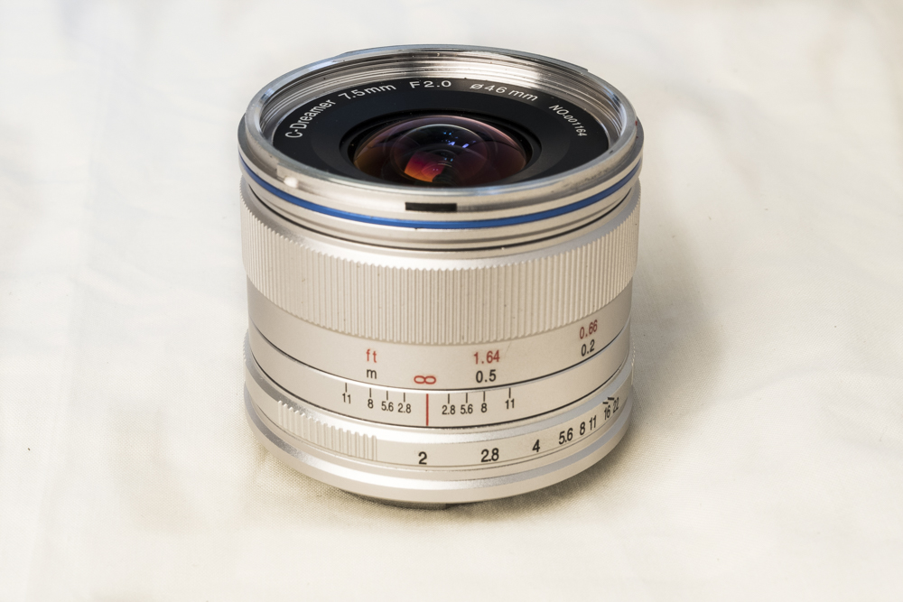 laowa 7_5mm f2 product 3.jpg