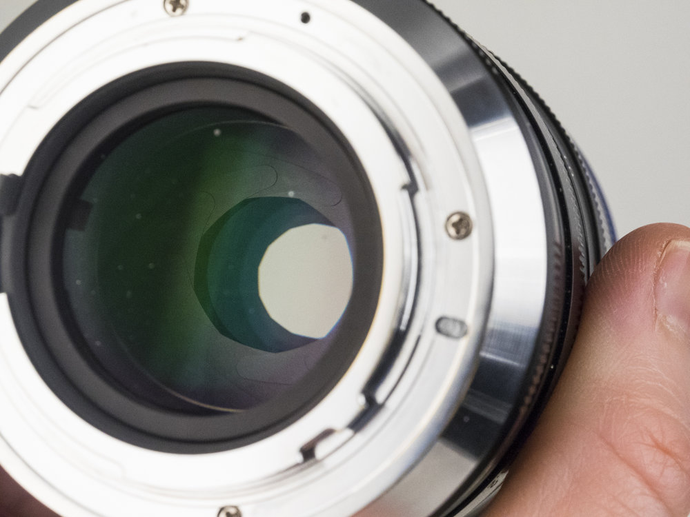 laowa 105mm f2 STF lens product images 05.jpg