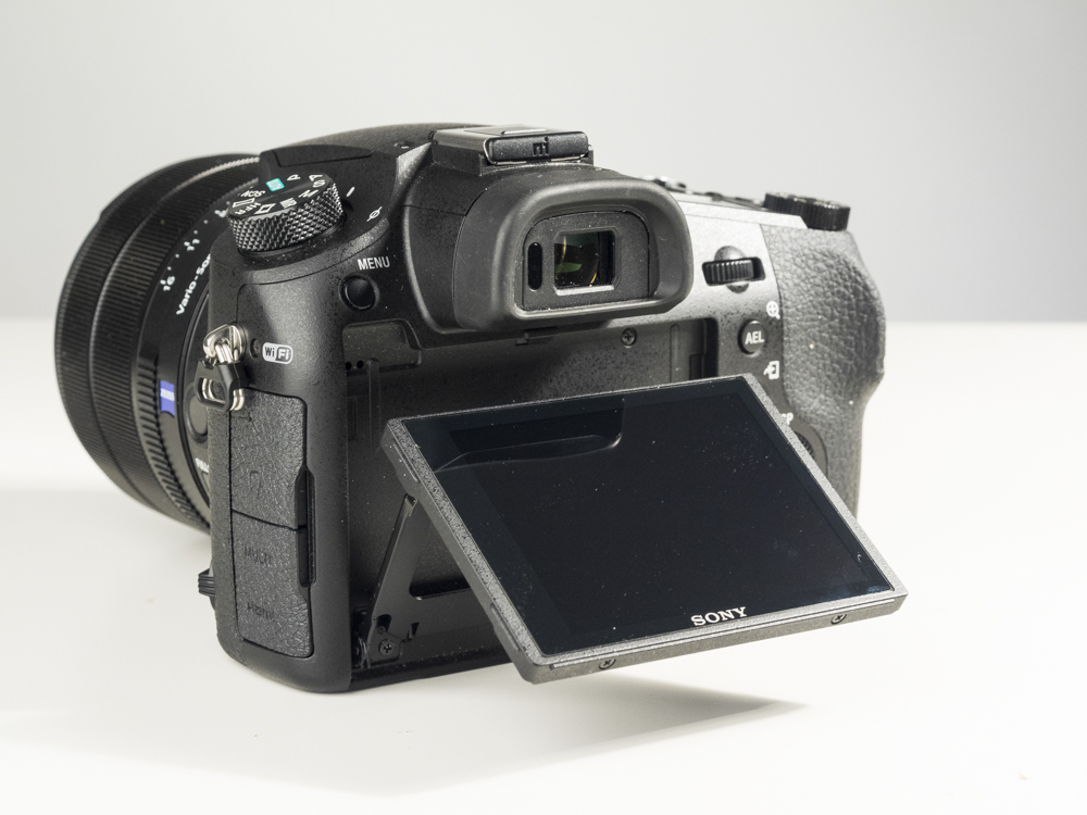 sony rx10 iv product images studio 08.jpg