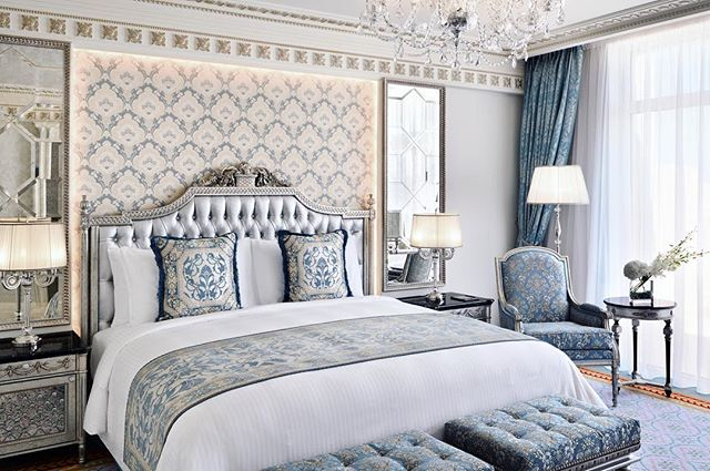 Day dreaming in this platinum king size bed @emeraldpalacekempinski … The rooms are designed with plush fabrics, ornate gold and platinum fittings and handcrafted furniture.