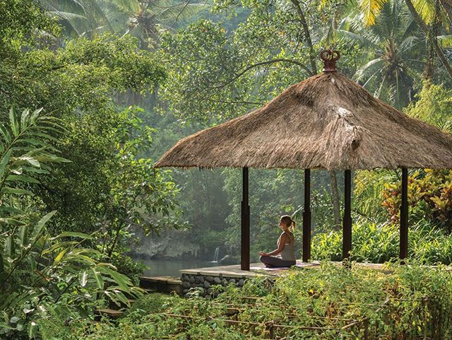 Inspire yourself with Ubud's unique healing energy and Balinese daily rituals of thanks. Four Seasons Resort Bali in Sayan @fsbali is launching the destination's first year-round wellness retreat named Guided by Gratitude.  Would you like to meditate and give thanks for this exceptional setting? 🙏🏼