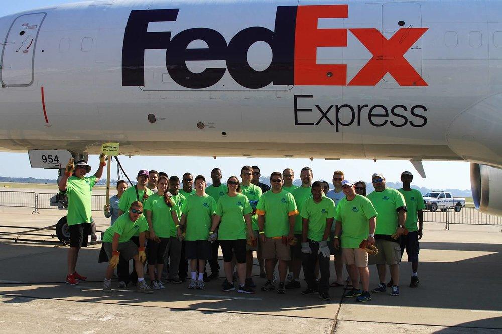 Gulf Coast Baton Rouge Team 2014 Annual Plane Pull.jpg