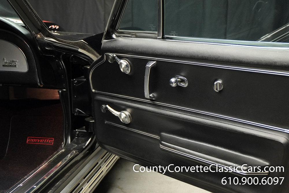 1967-Corvette-Coupe-for-sale-65.jpg