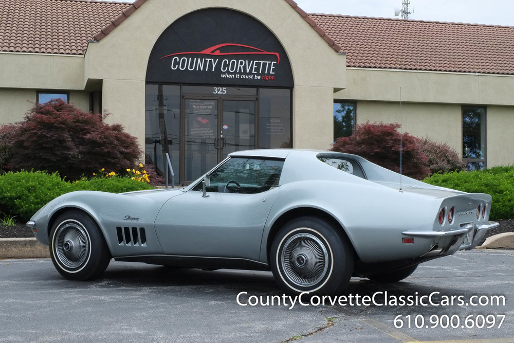 1969-Corvette-Coupe-350-Cortez-Silver-for-sale-1.jpg