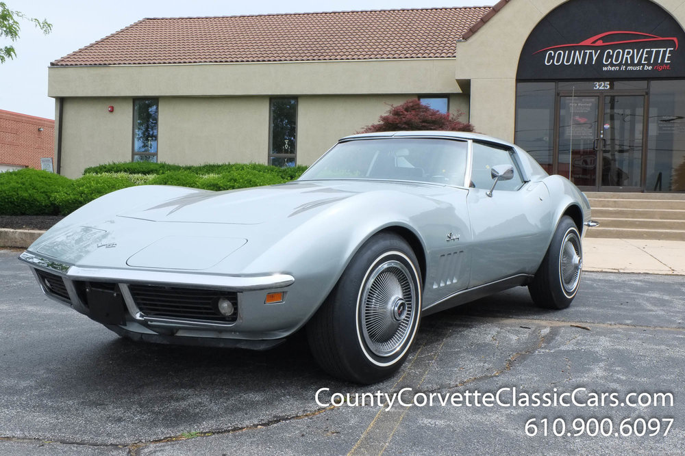 1969-Corvette-Coupe-350-Cortez-Silver-for-sale-3.jpg