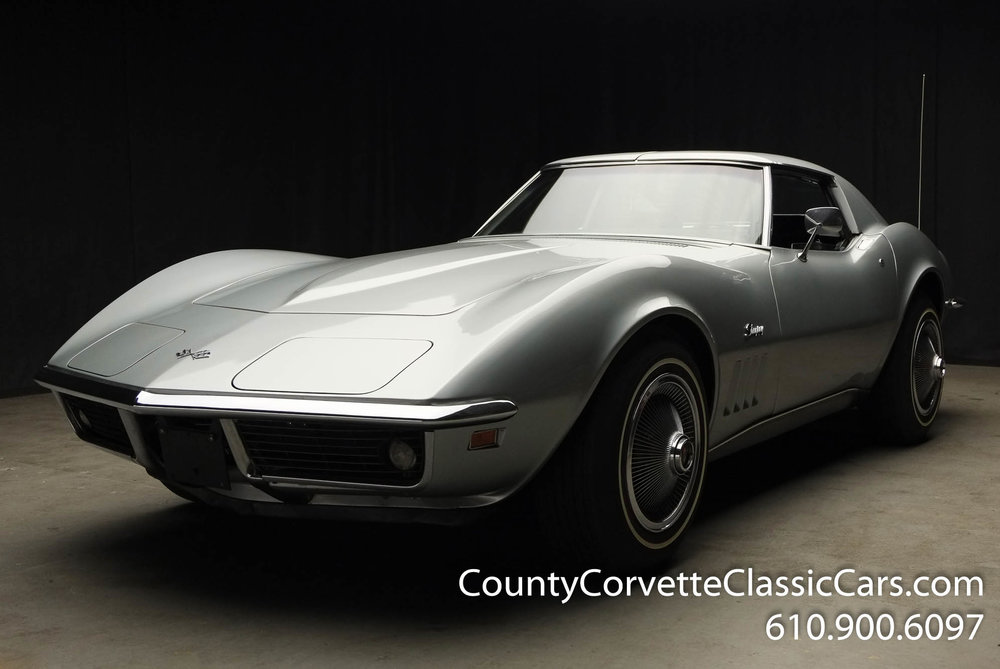 1969-Corvette-Coupe-350-Cortez-Silver-for-sale-6.jpg