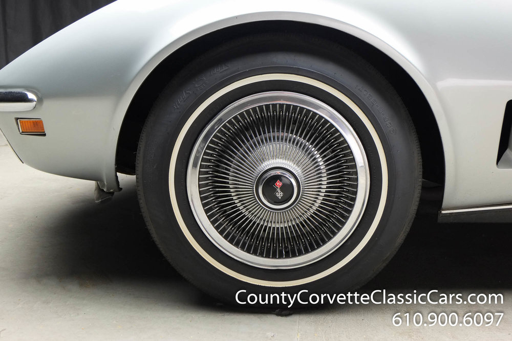 1969-Corvette-Coupe-350-Cortez-Silver-for-sale-8.jpg