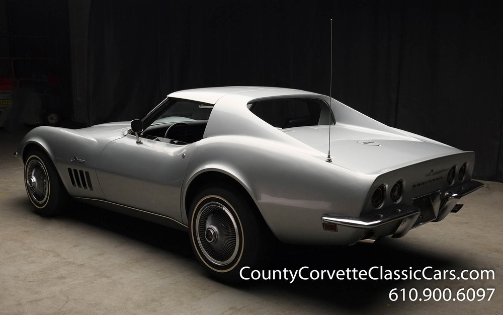 1969-Corvette-Coupe-350-Cortez-Silver-for-sale-11.jpg