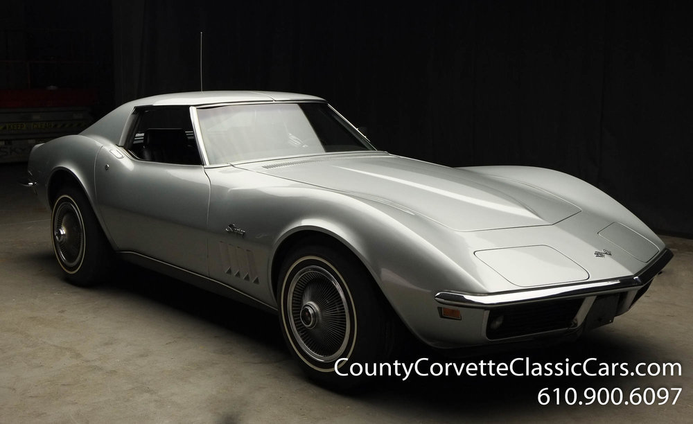 1969-Corvette-Coupe-350-Cortez-Silver-for-sale-12.jpg