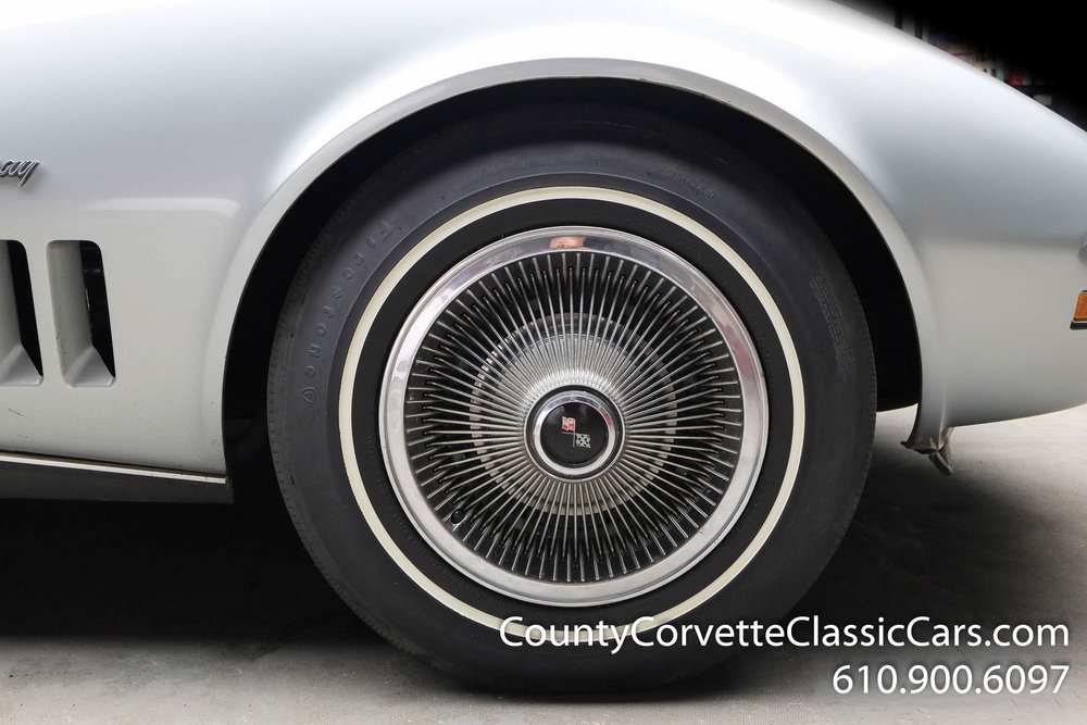 1969-Corvette-Coupe-350-Cortez-Silver-for-sale-13.jpg