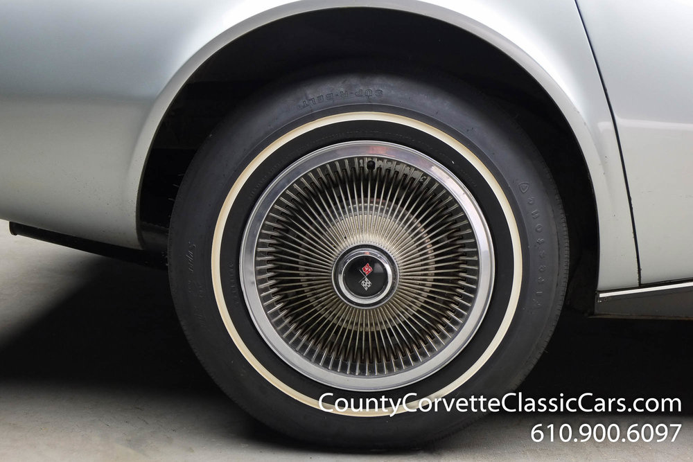 1969-Corvette-Coupe-350-Cortez-Silver-for-sale-14.jpg
