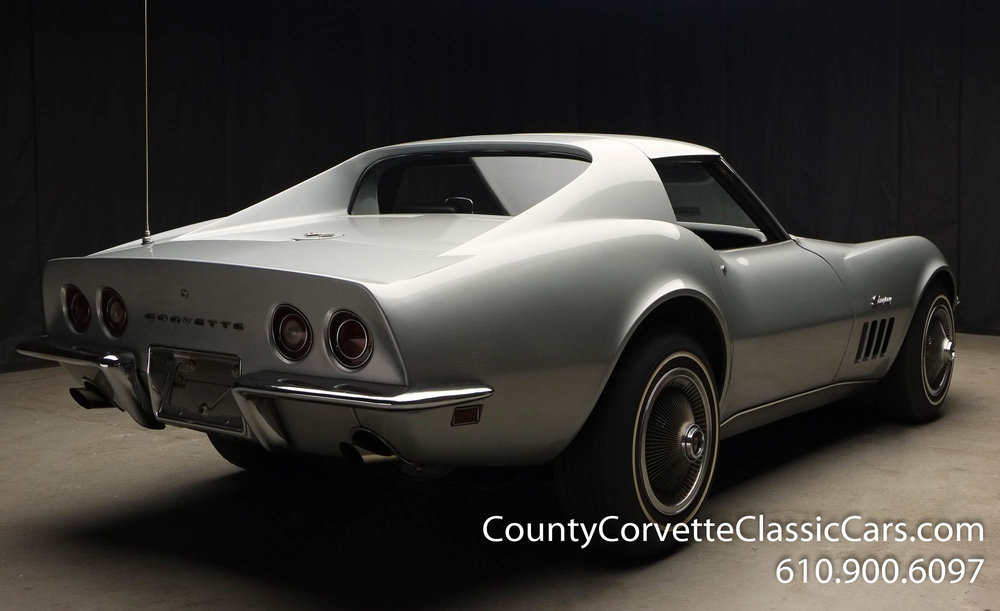 1969-Corvette-Coupe-350-Cortez-Silver-for-sale-16.jpg