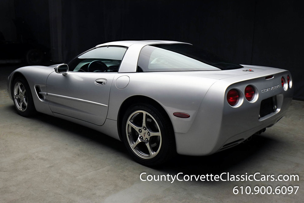 2002-Corvette-Coupe-17.jpg