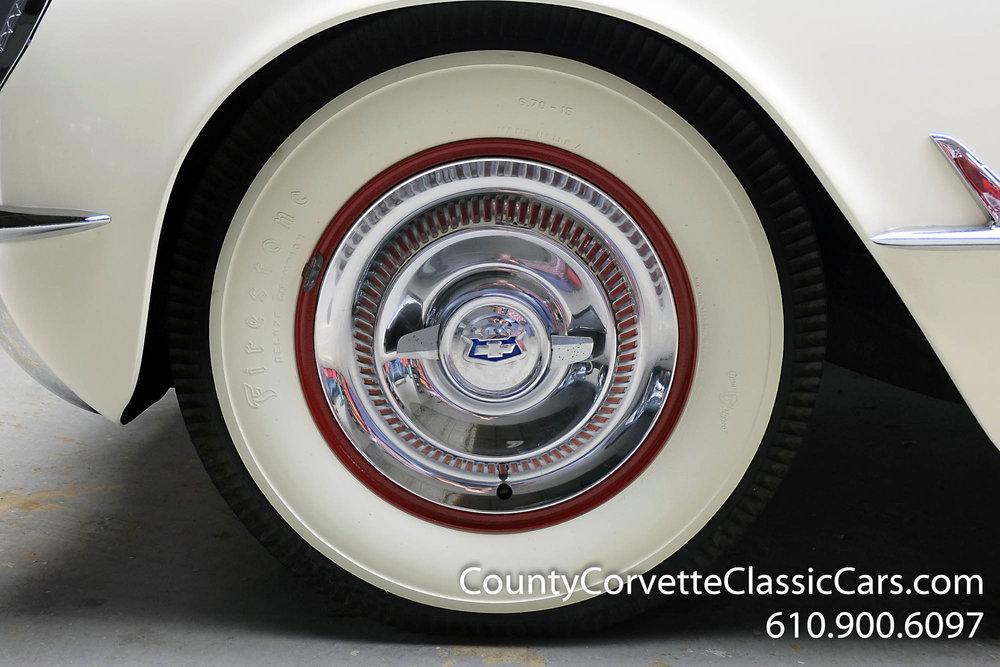 1953-Corvette-Convertible-10.jpg