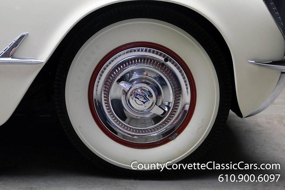 1953-Corvette-Convertible-19.jpg