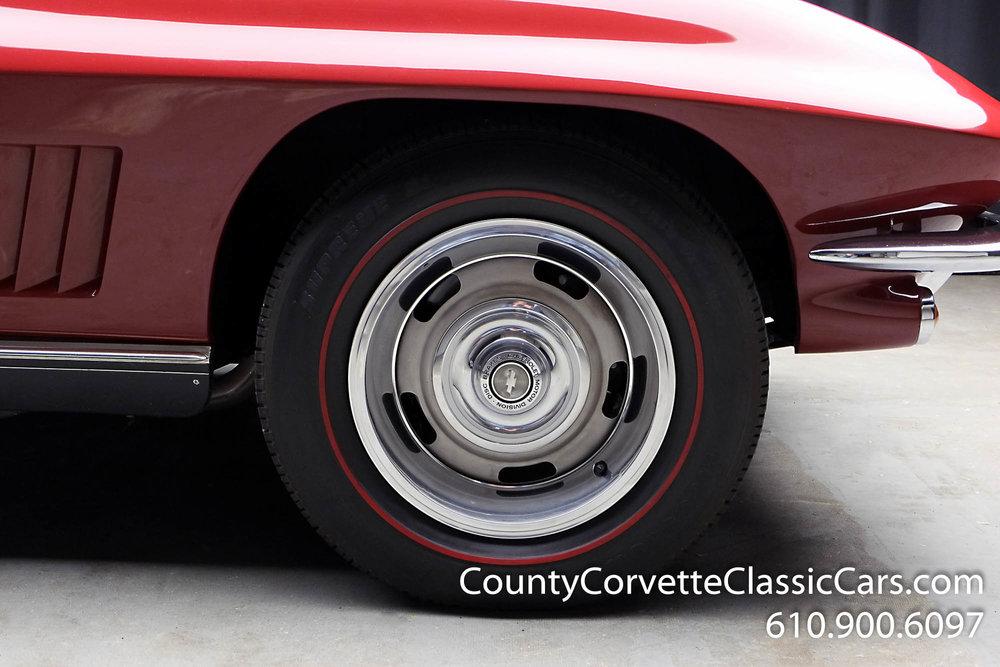 1967-Corvette-Convertible-Maroon (18 of 45).jpg