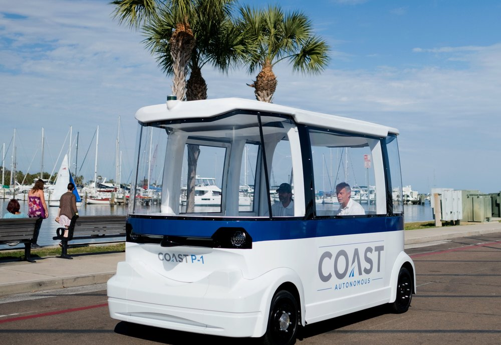 MONITORING - Coast Conductors remotely monitor the safety and security of Coast's vehicles. With real-time access and advanced communication tools, they ensure smooth operation and a pleasant passenger experience.