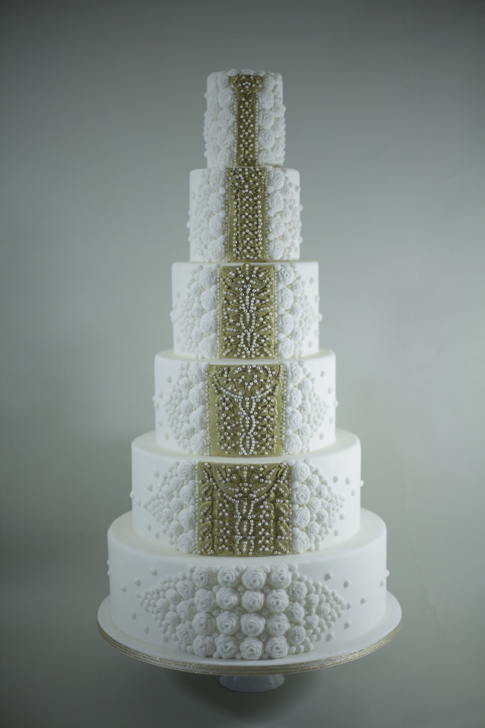 Majestic wedding cake
