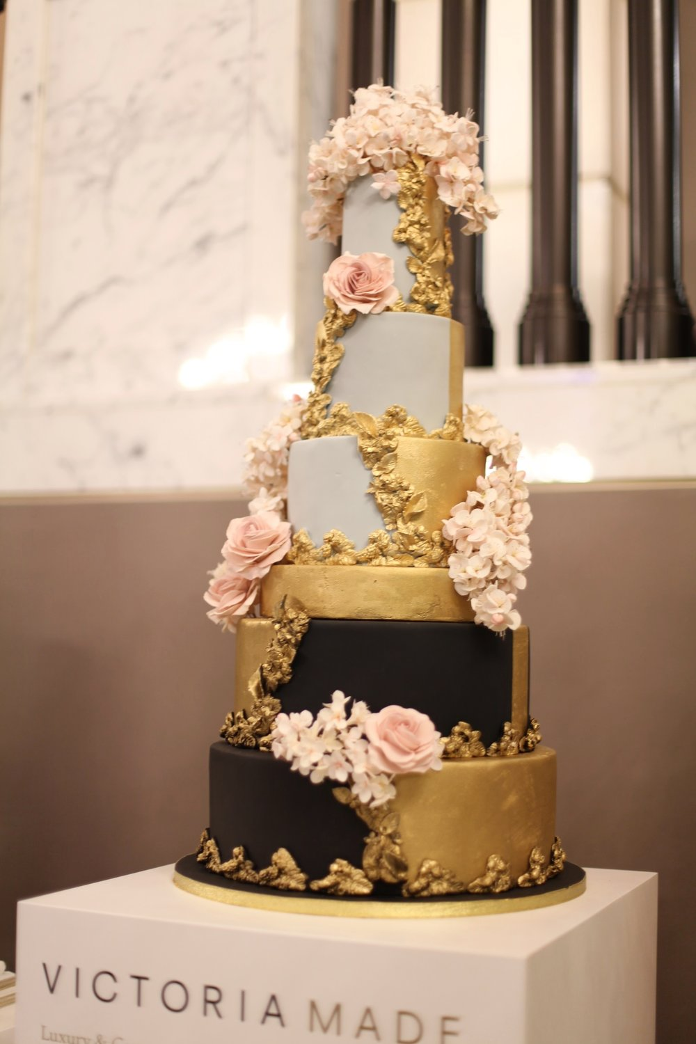 Victoria Made Wedding Cake (27) - Copy.jpg
