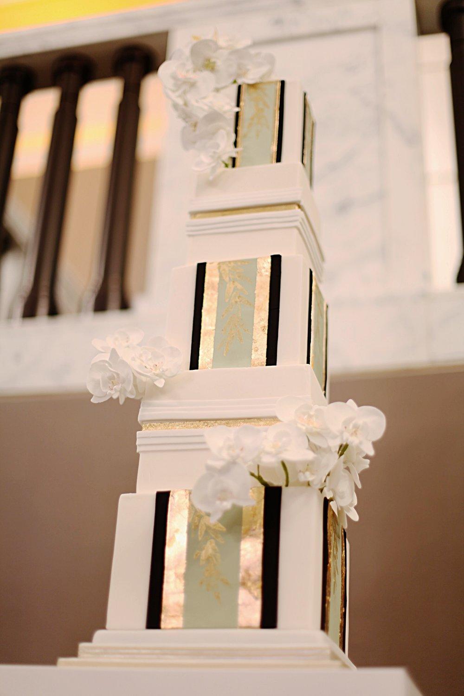 Victoria Made Wedding Cake (11).jpg