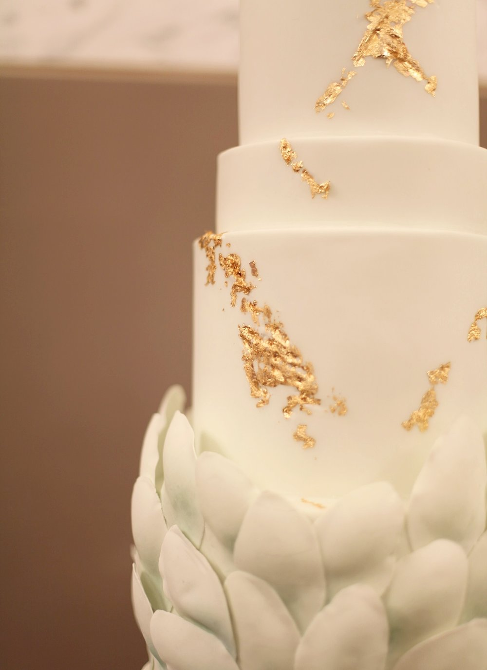 contemporary wedding cake