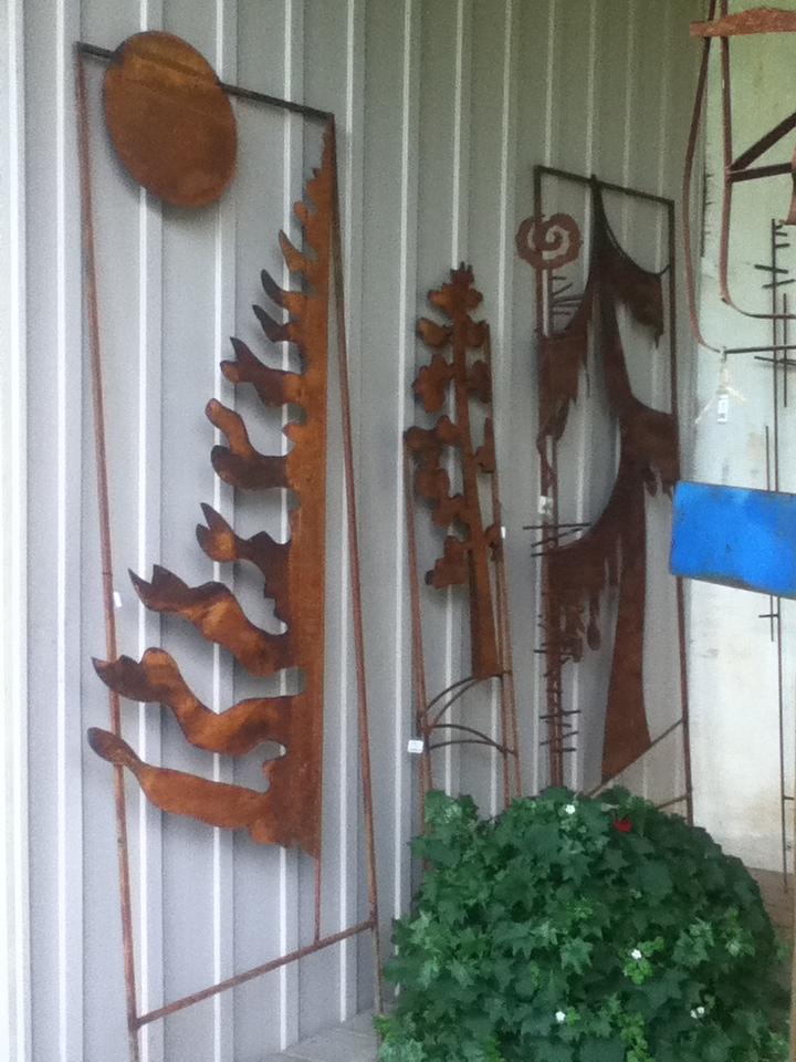 MetDCJackpine, muskoka, spruce tree XL trellises.JPG