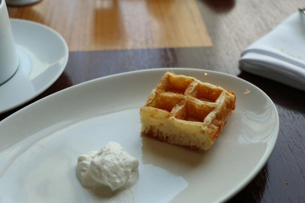 Waffle & Cream_29519578436_l.jpg