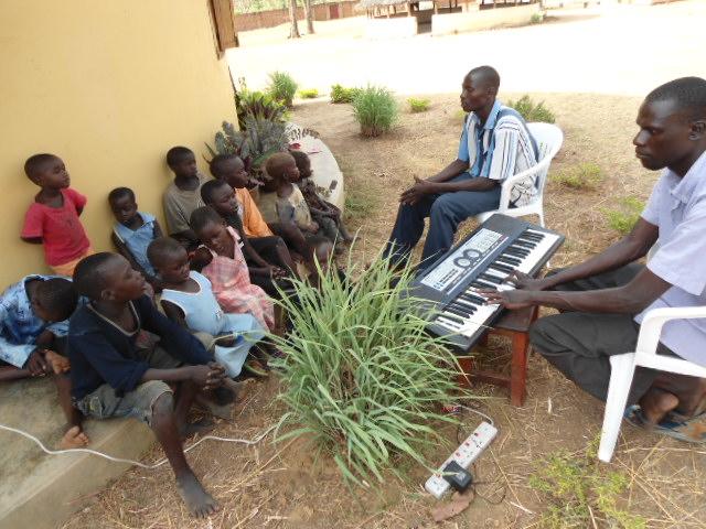 Children getting music lessons