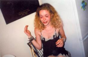 33-Taracrying1999.jpg