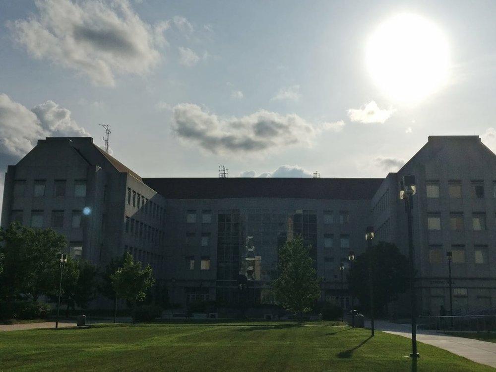 Strong Hall eli yhteiskuntatieteilijöiden päämaja
