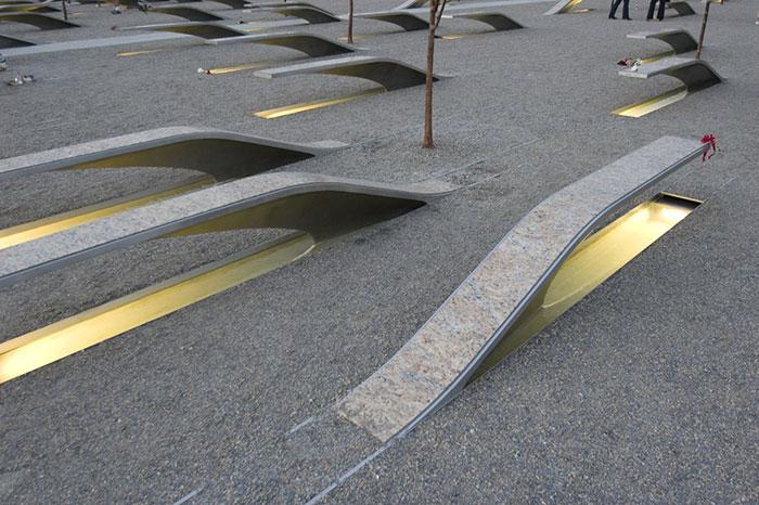 creative-public-benches-9-57e8d3d923a7b__700.jpg